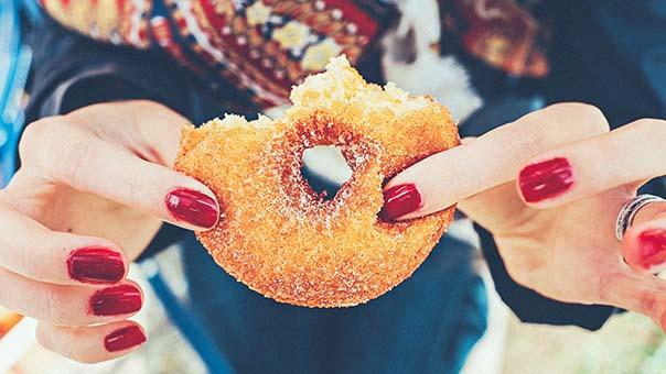 Dipendenza da cibo: piccoli passi per cominciare a vincerla.