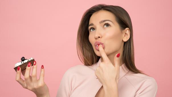 3 fattori che influenzano cosa mangi (e quanto)